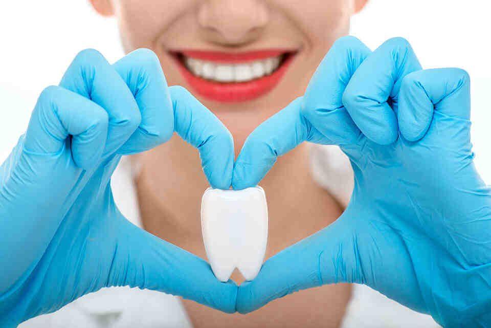 Licówki bydgoszcz - protezy zębów protetyka implanty
